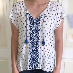 Women's blouse with tassels